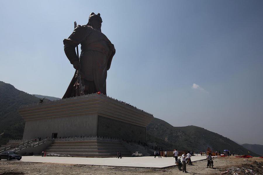 直击中国最霸气的两座雕像,一座位于南方,另一座在北方