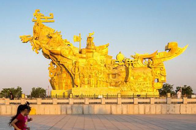 河南安阳:古朴的《商魂》亚博下载,最高处的商王驭马腾空而起